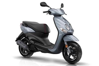 Moto 50cc alquilar malaga estacion tren