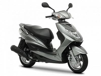 Moto 125cc alquilar malaga estacion tren